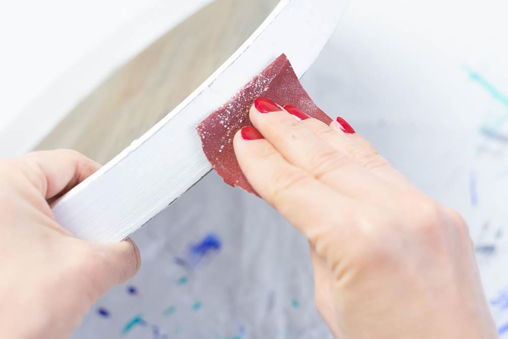 diy tablett weiße farbe abschmirgeln